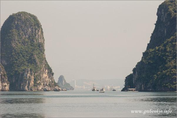 http://grebenkin.info/Trip/OnLine/Vietnam2014/Halong/Img_9063.jpg