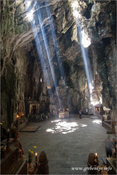 http://grebenkin.info/Trip/OnLine/Vietnam2014/MarbleMountains/Img_9684.jpg